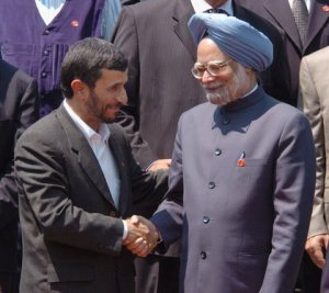 Prime Minister of India Manmohan Singh Shaking Hands With Mahmoud Ahmadinejad