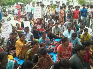 Sit-in by evictees