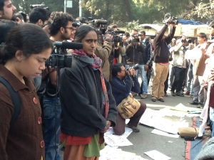 Sucheta Dey (AISA) and Kavita Krishnan (AIPWA) just before they spoke at the condolence meeting