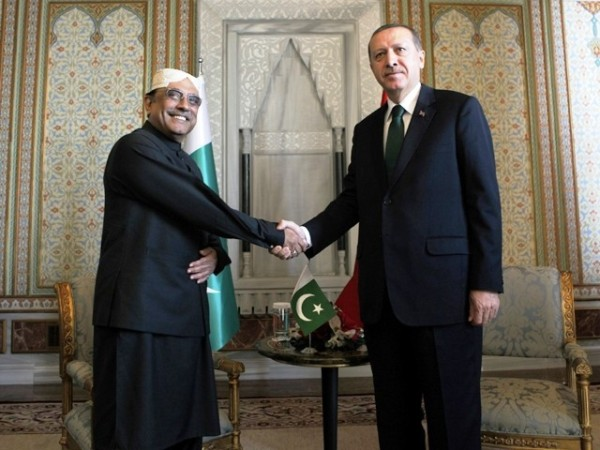 Pakistan's President Asif Ali Zardari with the Turkish Prime Minister Recep Tayyip Erdoğan. Reuters photo