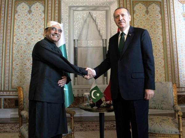 Pakistan's President Asif Ali Zardari with the Turkish Prime Minister Recep Tayyip Erdoğan. Reuters photo