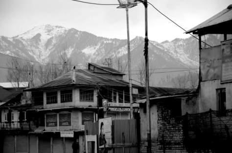 1-Kupwara town bus stand