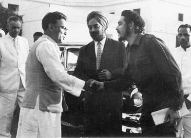 Mr. S.K. Dey, Minister for Community Development and Cooperation, receiving Che Guevara at his office in New Delhi on July 3, 1959. Photo courtesy Photo Division, Government of India.