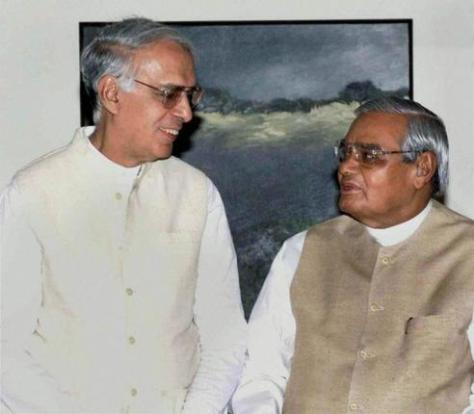 File photo of former V.C. Shukla with the then prime minister Atal Bihari Vajpayee in New Delhi in March 2004. Shukla had a brief stint with the BJP. Photo: PTI, via TheHindu.com