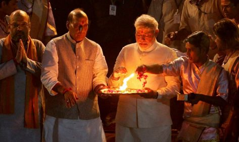Modi at Dasashwamedh Ghat, Varanasi/Benaras on 17 May 2014. Courtesy, Amar Ujala website.