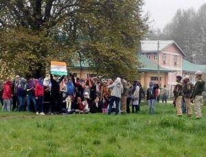 NIT Srinagar non-Kashmiri students demonstrate
