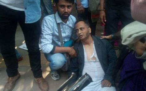 Prasanta Chakravarty, immediately after being assaulted on February 22nd. Image from the India Today Website.